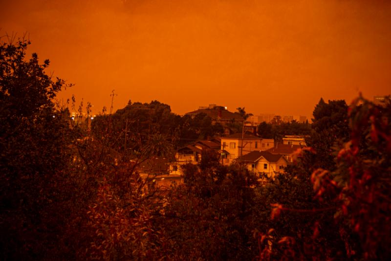 An orange sky over Oakland. Photo by Kiwi Illafonte