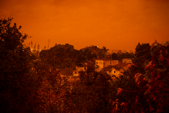 An orange sky over Oakland. Photo by Kiwi Illafonte